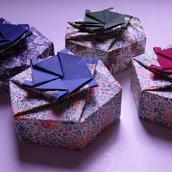 scatola fiorita
