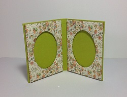 book style photo frame mini.jpg